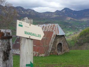 Sentier de randonnées proche de l'Enclos du Puy Mary