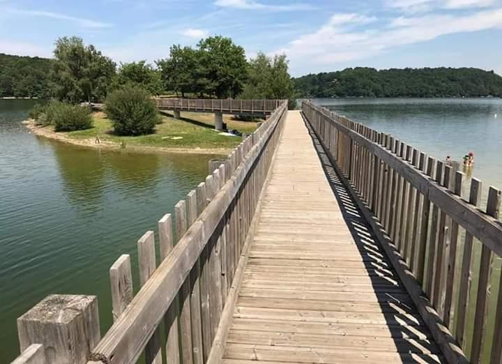 Lac de Saint Etienne de Cantales