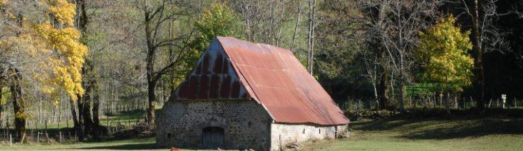 Une grange autour de Mandailles